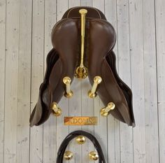 Dress up your tack room with saddle and bridle racks from Andrew Nebbett Designs. These custom racks will support your saddles and look good. Barrel Racing Saddles, Barrel Racing Horses, Barrel Horse, Western Pleasure Horses, Western Horse Tack, Western Saddles, Horse Stables, Horse Barns, Riding Stables