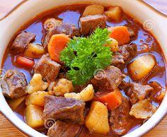 Rezept Gulasch gemischt von Sylvia Rist - Rezept der Kategorie Hauptgerichte mit Fleisch