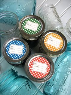 Classic adhesive gingham canning labels add a bright touch to home preserved mason jar foods. Use these red, blue, green, & orange country mason jar stickers for kitchen pantry storage, farmer's market sales, or gift giving jam & jelly jars | Shop for more canning jar labels on CanningCrafts.com | #canning #foodpreservation #preserving  #canningcrafts #masonjarlabels #masonjargifts #gingham Jam Jar Labels, Canning Jar Labels, Mason Jar Meals, Mason Jar Lids, Picnic Foods, Picnic Recipes, Picnic Ideas, Decorated Jars, Decorated Cookies