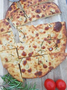 Sourdough Focaccia Recipe, Bread Art, Pizza Burgers, Grill Party, Easy Bread, Pampered Chef, Party Snacks, Finger Foods, Salad Recipes