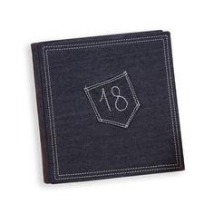 Album porta foto  Formato: 30x30  Interno: blocco con velina. 30 fogli, 60 facciate  Copertina: realizzata artigianalmente in tessuto jeansato.