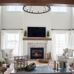 Hottest Photographs Gas Fireplace between windows Concepts There's only a very important factor better when compared to a roaring fire on a wintry night: a r Farmhouse Fireplace, Home Fireplace, Fireplace Remodel, Living Room With Fireplace, Fireplace Design, Fireplace Ideas, Two Story Fireplace, Shiplap Fireplace, Fireplaces