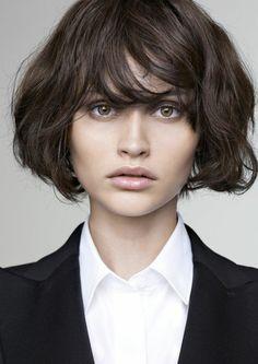Yeux Verts Marron Femme Coupe De Cheveux Courte Fard A Paupiere Gris Anthracite Couleur De