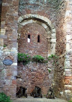 The best holiday spots and accommodations in Exeter, Devon Exeter Castle, Exeter Cathedral, Exeter Devon, Vacation List, Harbor Town, Continental Europe, English Castles, Devon And Cornwall, Irish Sea
