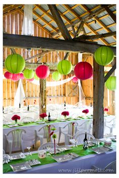 Ivory tablecloths, green runners, pink flowers in glass vases with limes and pink, ivory and light pin, pearls... lanterns in these colors, and ivory toille... YESSSS!!!