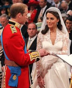 Royal wedding: Prince William and Kate Middleton marry at Westminster Abbey Carole Middleton, Estilo Kate Middleton, Kate Middleton Wedding, Kate Middleton Prince William, Duchess Kate, Duke And Duchess, Duchess Of Cambridge, Kate Und William, Prince William And Catherine