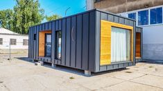 Vzorový modularný dom Bratislava Bratislava, Garage Doors, Shed, Container, Outdoor Structures, Outdoor Decor, House, Home Decor, Decoration Home