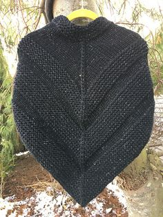 Big Love KAL here. Using smaller needles (Size I don't mind scaling this down in size a little (my time knitting this!) and also am hoping to maximize my 3 skeins in this yarn a. Capelet Knitting Pattern, Knit Vest Pattern, Baby Knitting Patterns, Knitting Designs, Knitting Projects, Hand Knitting, Knitted Cape, Knit Cowl, Outlander Knitting