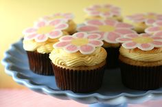 Cute Candy Flower Cupcakes