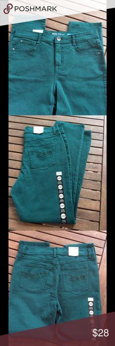 """Style & Co. Jeans NWOT Tummy control; slim leg. 98% cotton; 2% spandex. Pant rise 10.5""""; Pant length 28""""; leg width 6.5"""". TTS NWOT Style & Co Jeans"""