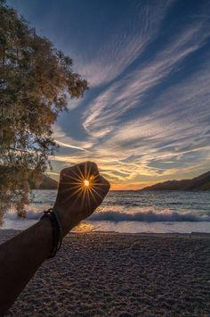Photography beach sunrise New Ideas Sunset Photography, Creative Photography, Amazing Photography, Photography Poses, Landscape Photography, Morning Photography, Levitation Photography, Exposure Photography, Winter Photography