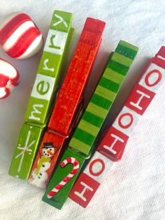 CHRISTMAS CLOTHESPINS hand painted magnetic pegs merry Hohoho