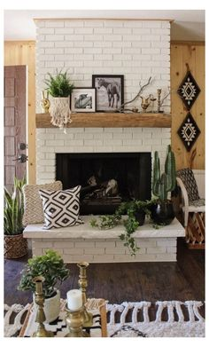 Wonderful Images Brick Fireplace mantle Ideas Sometimes it pays off in order to omit this renovate! As opposed to extracting a out of date brick fireplace , lower you mantle decor rustic Fireplace Mantle Designs, Brick Fireplace Mantles, Painted Brick Fireplaces, Brick Fireplace Makeover, Rustic Fireplaces, Home Fireplace, Fireplace Remodel, Living Room With Fireplace, Mantle Ideas