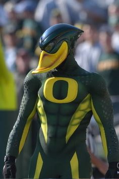 That is most awesome Duck I have ever seen! I would hate to meet that feathered friend in a dark alley, or even a pond.