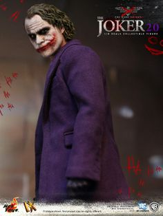 Hot Toys Reveals 'The Dark Knight' Joker 2.0 Figure and Accessories - ComicsAlliance   Comic book culture, news, humor, commentary, and reviews
