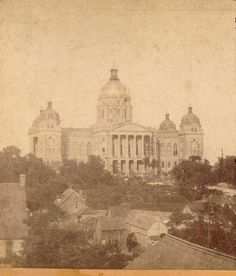 Seems strange that there were residences at the foot of the Capitol