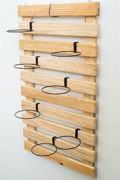 50 DIY garden wood projects for your home with small - Jardin Vertical Fachada Wooden Pallets, Wooden Diy, Pallet Wood, Pallet Ideas, Pallet Crafts, Wood Ideas, Wood Crafts, Diy Crafts, Diy Garden Projects