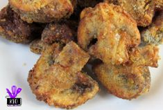 yummy air fried mushrooms- switch out flour for almond flour and pork rind dust for panko Air Fyer Recipes, Air Fryer Recipes Potatoes, Air Fryer Recipes Appetizers, Air Fryer Recipes Vegetarian, Air Fryer Recipes Vegetables, Air Fryer Oven Recipes, Air Fryer Dinner Recipes, Cooking Recipes, Deep Fried Mushrooms