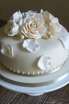 Γαμήλια Τούρτα με Τριαντάφυλλα   Wedding Cake with Roses - Sweetius Wedding Cake Roses, Wedding Cakes, Rose Cake, Simple, Desserts, Pink, Wedding Gown Cakes, Wedding Pie Table, Deserts