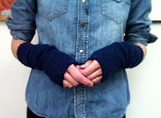 Posts about free patterns written by Karen Templer Fingerless Gloves Knitted, Knit Mittens, Knitted Hats, Knitted Scarves, Learn How To Knit, How To Purl Knit, Knit Purl, Free Knitting, Knitting Patterns