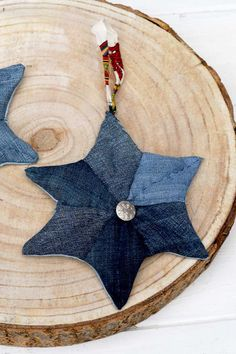 How To Make Upcycled Denim Patchwork Quilted Stars Decoration.  Use your old jeans scraps to make these gorgeous stars.  Easy to follow step by step tutorial. Hexagon Patchwork, Denim Patchwork, Diamond Template, Denim Scraps, Denim And Diamonds, Star Decorations, Star Shape, Christmas Diy, Christmas Stuff