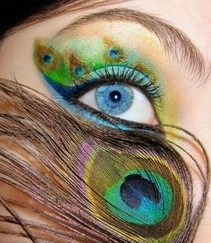 Peacock eyes!  I would never be able to pull this off... But it's pretty damn amazing!