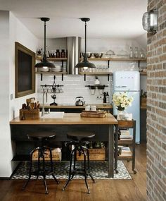 Modern Kitchen Interior 40 Admirable Small Apartment Kitchen Decor Ideas s Small Apartment Kitchen, Small Apartment Decorating, Home Decor Kitchen, New Kitchen, Home Kitchens, Kitchen Small, Ranch Kitchen, Country Kitchen, Decorating Kitchen