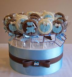 Baby Shower favours - chocolate pops by cakespace - Beth (Chantilly Cake Designs) Baby Shower Cakes, Baby Shower Azul, Deco Baby Shower, Baby Shower Favours, Fiesta Baby Shower, Shower Bebe, Diy Shower, Baby Shower Parties, Baby Shower Themes