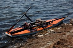 Roddplattform och roddrigg med justerbar fotplatta. http://www.nymöhamn.se Rowing platform and roeing rig with adjustable footrest. http://www.trabatar.se