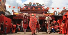 Cap Go Meh Cap Go Meh (Cap= sepuluh , Go=lime , Meh=Malam) yang berarti hari terakhir dari masa perayaan Tahun Baru Imlek kelima belas bagi komunitas Tionghoa. Ini merupakan festival besar, di Magelang pun komunitas Tionghoa juga merayakannya. Berikut rundown nya, Sobat Progo berminat untuk melihat ? www.progorafting.com #imlek #capgomeh #magelang #wisatabudaya #magelanghits