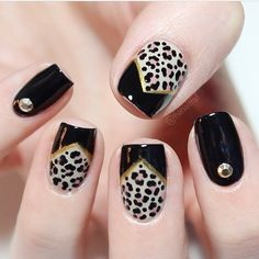 Nail art designs, discover this super best nail pin plan # 6907749387 for that amazingly wonderful nails. Glam Nails, Fancy Nails, Diy Nails, Cute Nails, Pretty Nails, New Years Nail Designs, Nail Art Designs, Beautiful Nail Designs, Beautiful Nail Art
