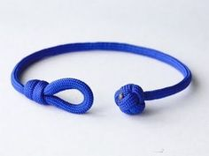 How to Make a Single Strand Knot and Loop Paracord Friendship Bracelet-Celtic Button Knot Bracelet Knots, Paracord Bracelets, Bracelet Making, Jewelry Making, Lanyard Knot, Sailor Knot Bracelet, Diy Jewelry, Snake Knot, Loop Knot