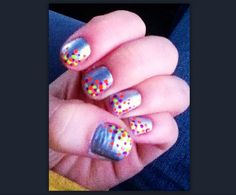 Silver nails with dots