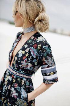 Boheme chic // street style fashion Deep plunge print dress mix
