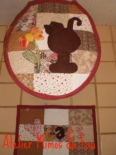 jogo de banheiro em patchwork  http://www.flickr.com/photos/artesnoreino/favorites/page4/?view=lg