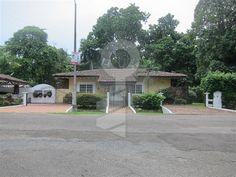 Casa en un Lote de Gran Tamaño, Provincia de Panamá - CompreOAlquile