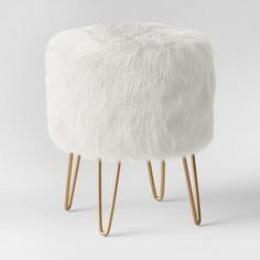 Radovre Hairpin Ottoman Faux Fur White Project 62 Radovre Hairpin Ottoman Faux Fur White Project 62 The post Radovre Hairpin Ottoman Faux Fur White Project 62 appeared first on Upholstery Ideas. Furniture Legs, Living Room Furniture, Small Furniture, Furniture Sale, Diy Rangement, Vanity Room, Vanity Area, Style Deco, Upholstered Ottoman