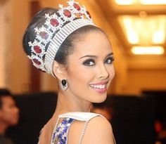 Miss Mundo 2013 Megan Young - Filipinas anos - cm) Megan Young, Miss Mundo, Filipina Actress, Filipina Beauty, Pageant Makeup, Beauty Pageant, Miss World 2013, Miss Philippines, Philippines People