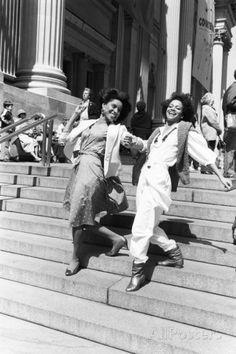 Phylicia Rashad and Debbie Allen by Moneta Sleet, Jr. Both Howard University grads. Black Girls Rock, Black Love, Beautiful Black Women, Black Girl Magic, Black And White, Vintage Black Glamour, Vintage Beauty, Vintage Glam, Quann Sisters