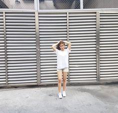 White Plain Tee Fashion of Loisa Andalio Fashion Models, Women's Fashion, Star Magic, White Plains, Plain Tees, Teen Actresses, Filipina, Dancer, Idol