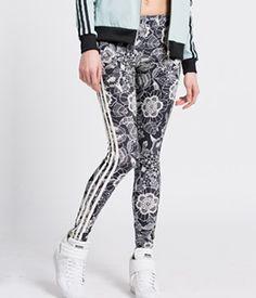 Colanti Adidas cu flori Adidas, Sweatpants, Fitness, Fashion, Lady, Gymnastics, Fashion Styles, Sweat Pants, Fasion