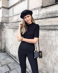 Beret, all Black, Coffer Bag, Outfit, French, Parisian Chic, Livia Auer (@livia_auer) • Instagram-Fotos und -Videos