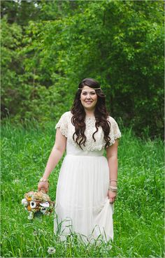 Vintage bridal look with headpiece and BHLDN Caplet. Captured By: Blake Loates ---> http://www.weddingchicks.com/2014/05/21/two-guys-bow-ties-500-giveaway/