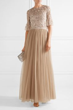 Beige tulle Concealed hook and zip fastening at back 100% nylon; lining: 100% polyester Dry clean
