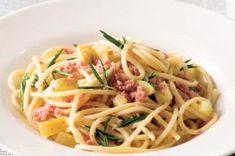 Špagety aglio e olio Aglio Olio, Pesto, Spaghetti, Menu, Ethnic Recipes, Menu Board Design, Noodle