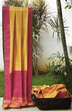 Lakshmi Handwoven Banarasi Silk Sari 000083 - Sari / All Saris - Parisera