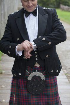 Love a Scottish wedding kilt! {Lauren Hannah Photography}