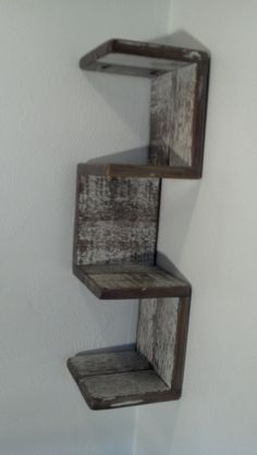 Corner Shelf: ideal for J's bedside AND the guestroom. I can do this.