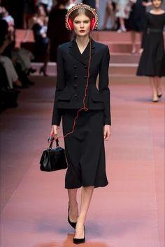 Sfilata Dolce & Gabbana Milano - Collezioni Autunno Inverno 2015-16 - Vogue