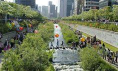 """""""韓國首爾清溪川-2008-01""""的stari4ek  - 最初發布到Flickr的fest2-01。 通過共享在CC許可BY-SA 2.0"""